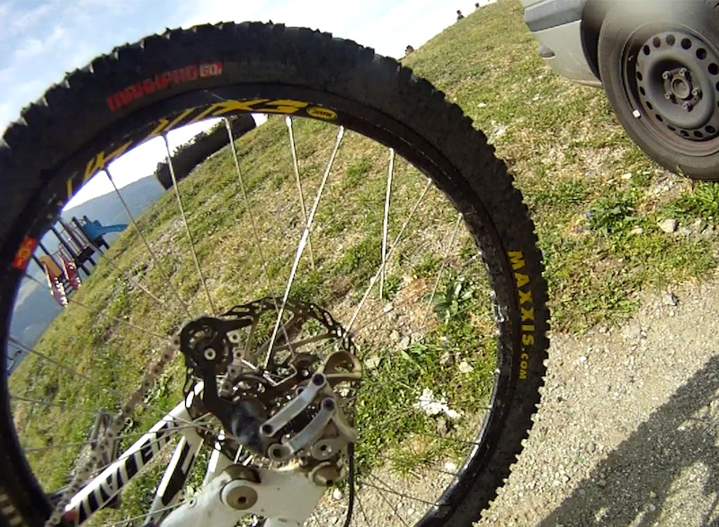 Tristan monnier pix 39 n 39 ride pila powder for Pila pneus