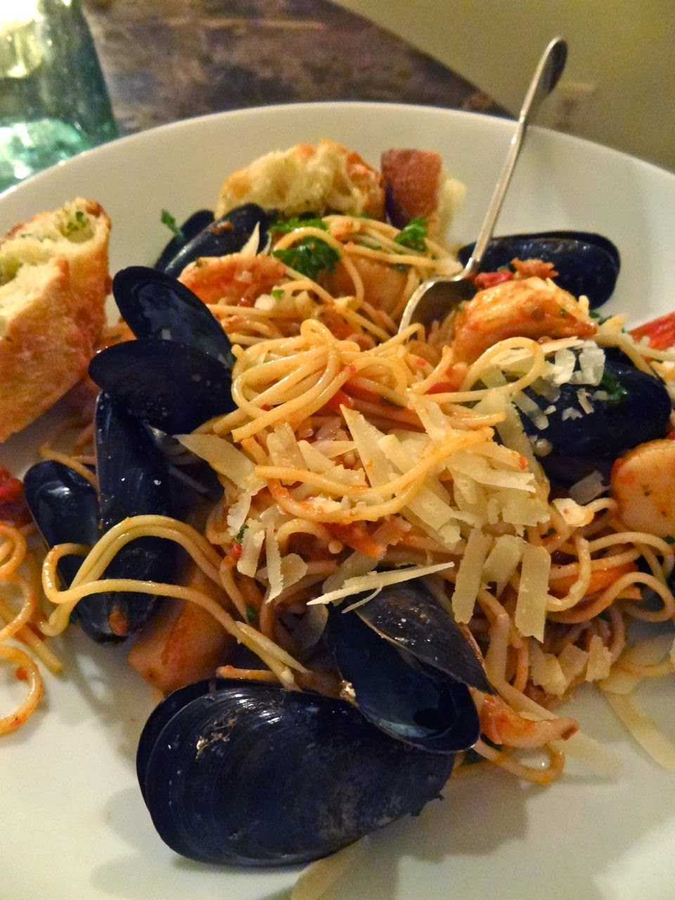 ... : Seafood Pasta with Mussels, Scallops, Shrimp & Squid