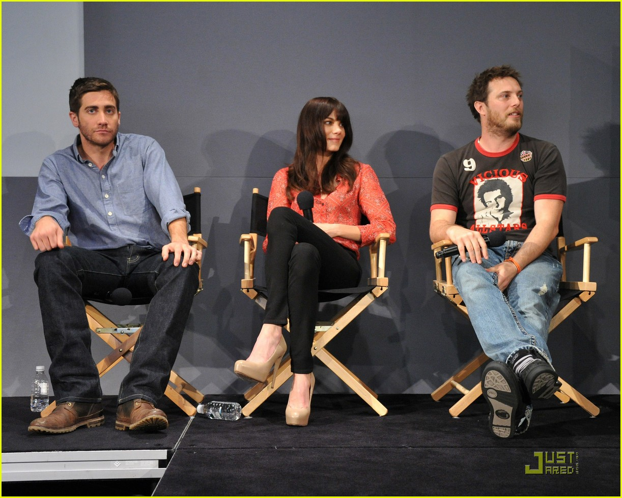 http://2.bp.blogspot.com/-LhRTAKwDPWc/TZao5XSYyOI/AAAAAAAAfI4/yLswKBfThPk/s1600/Jake%2BGyllenhaal4.jpg
