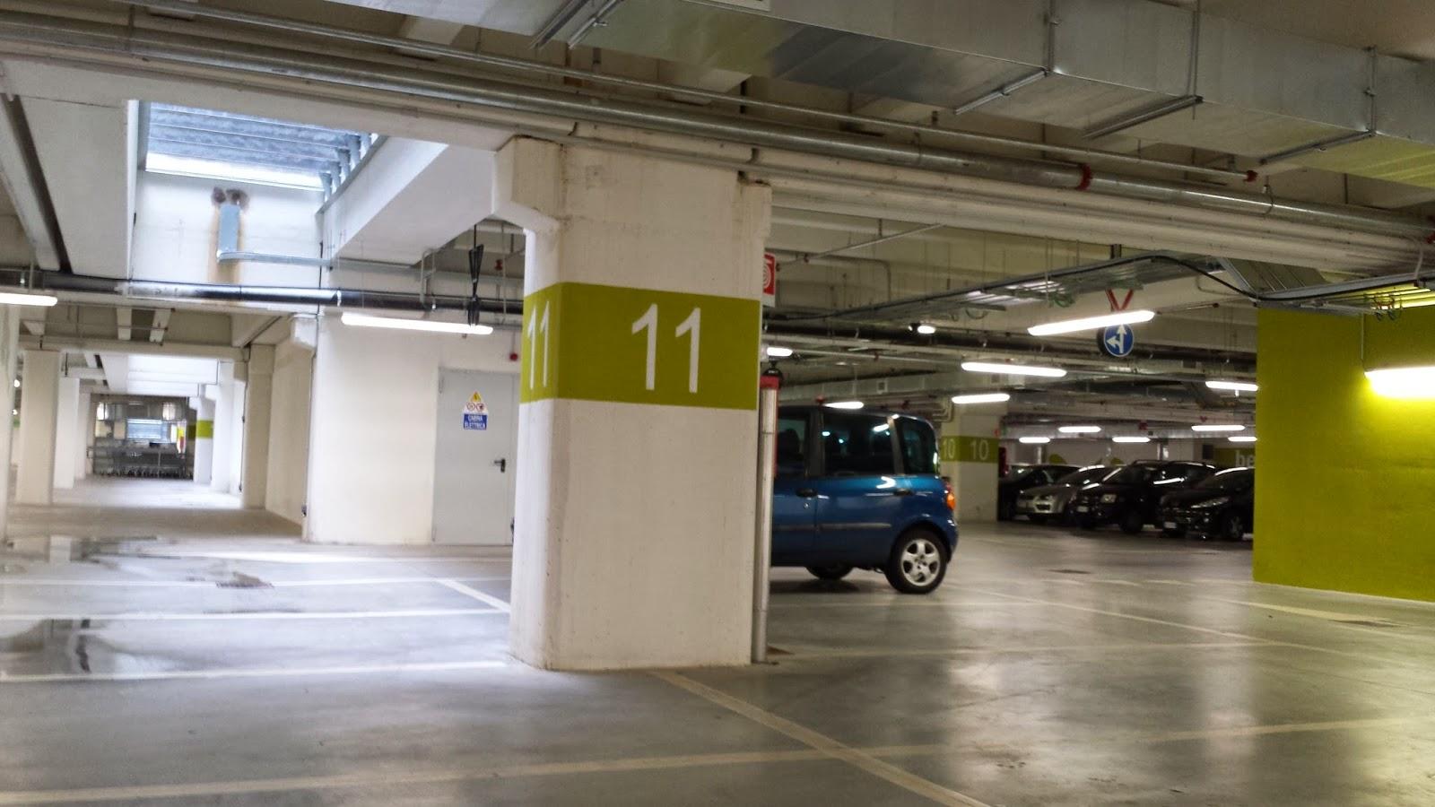 Fermi auto senza parcheggi parcheggi senza auto civica for Garage per 2 auto personalizzate
