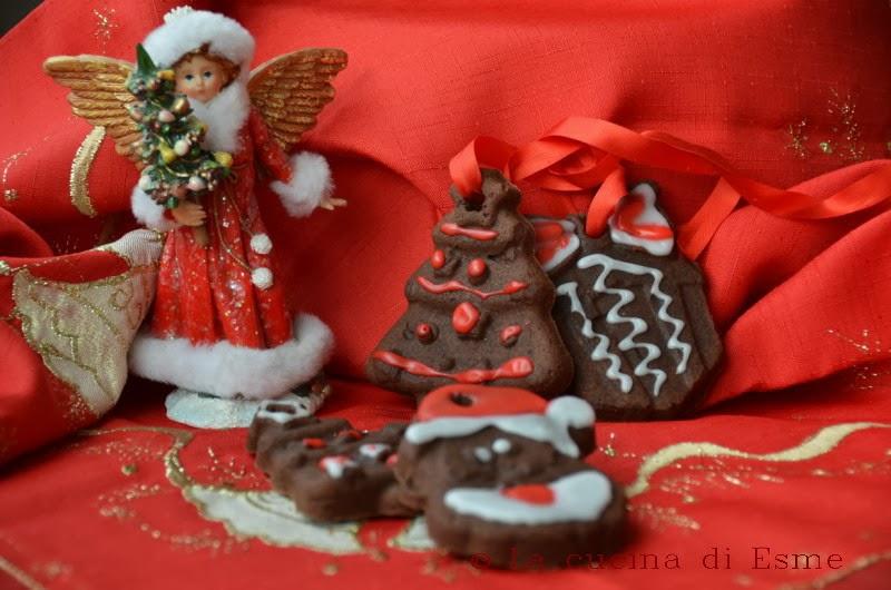 Biscotti Da Credenza Alice : La cucina di esme: biscotti da appendere con frolla sablè