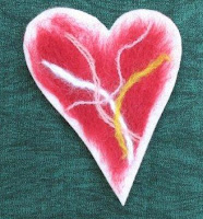 felted feelie heart