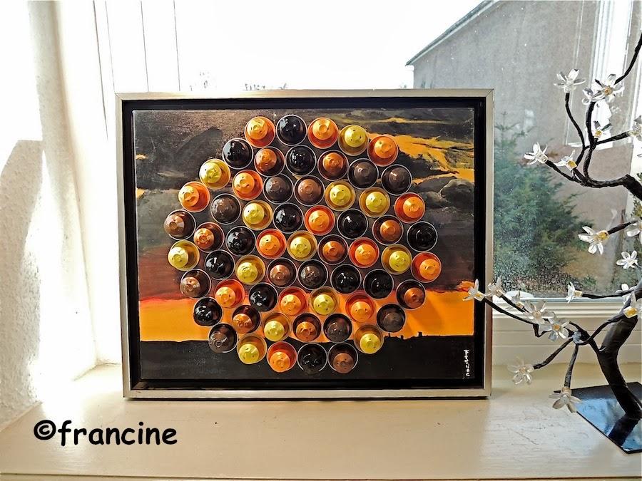 Super FRANCINE BRICOLE : Capsules collées sur peinture à huile forment  DY37