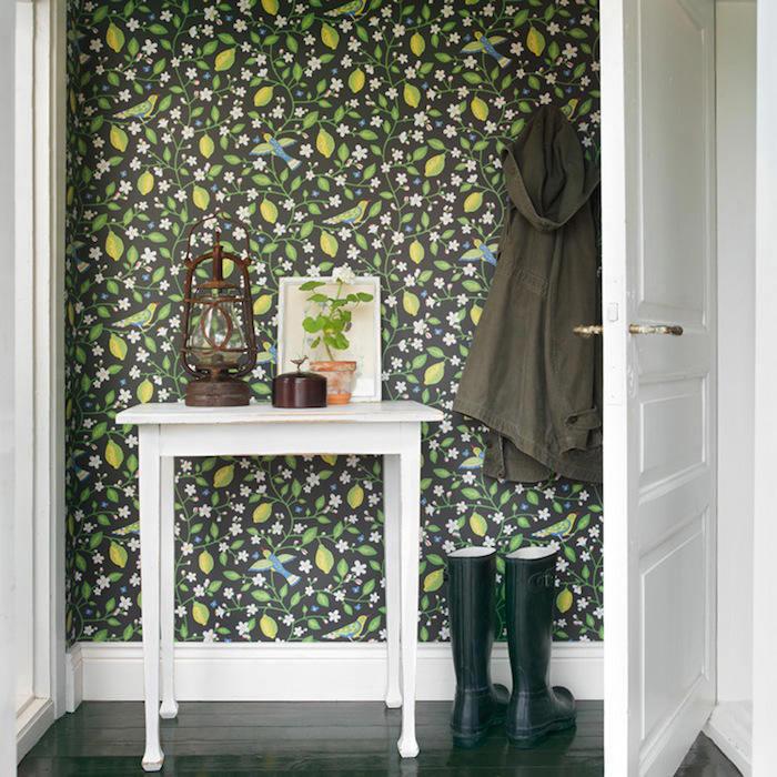 muchas puertas lo que con el papel pintado ser evitar de muebles y al mismo tiempo le aportar mucha