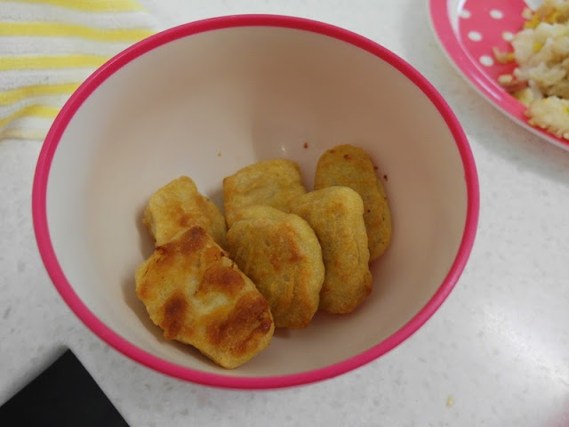 cooking fried rice ntu hall pantry
