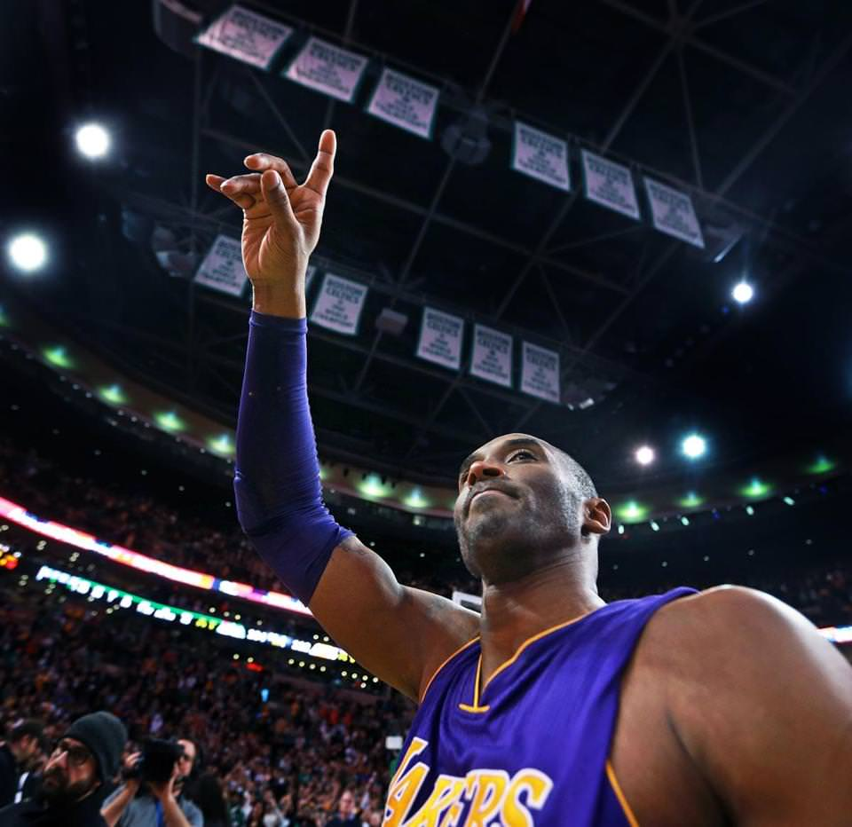 Los Angeles's Kobe Bryant waved goodbye to the cheering Boston crowd after the game ended.