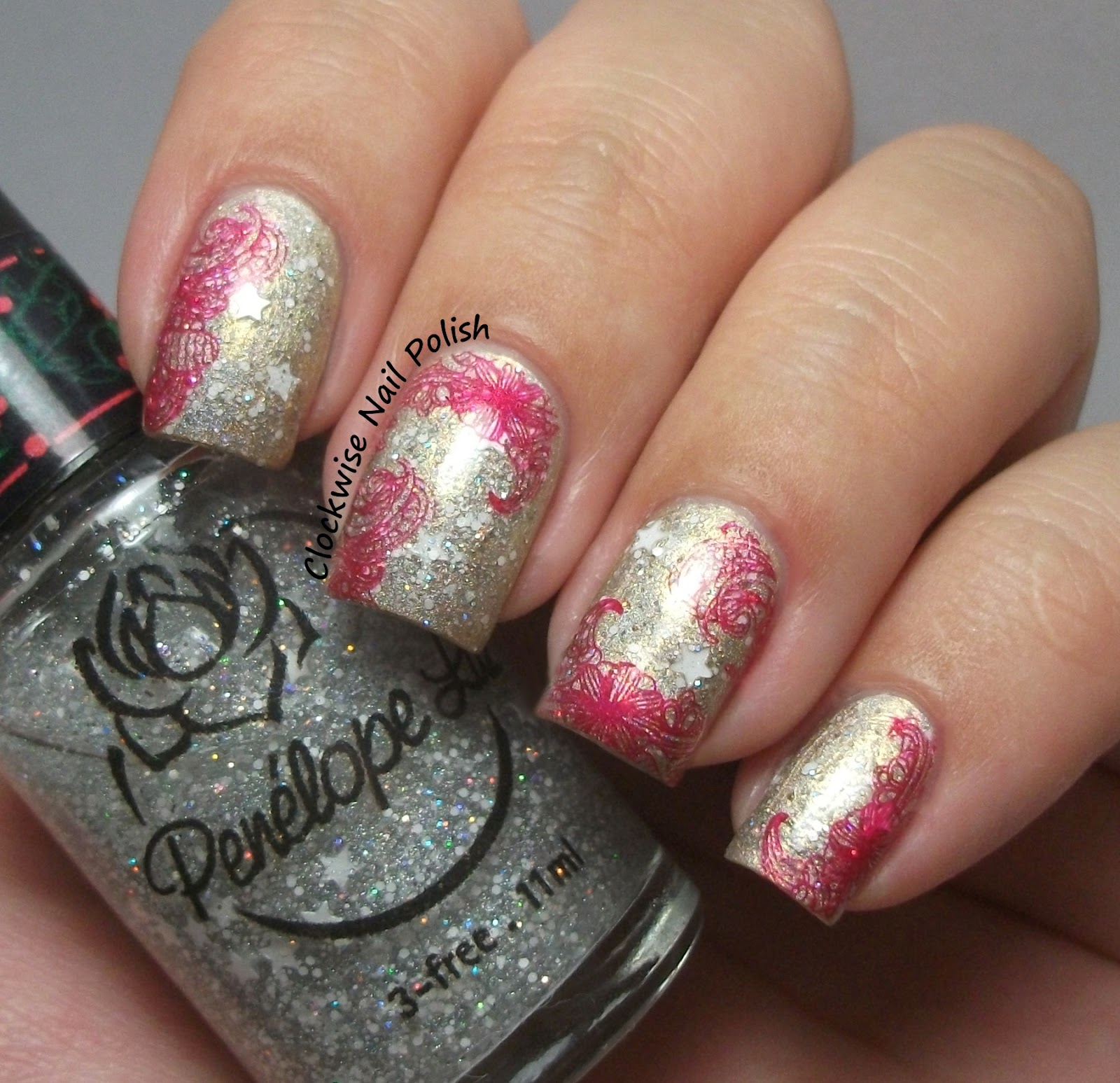Uber Chic UB 3-01 Stamping Plate Review | Unhas chiques