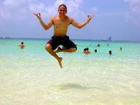 Człowiek na plaży.