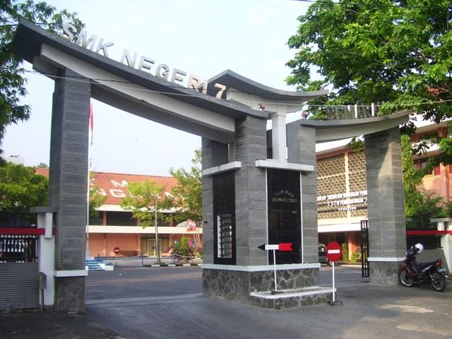 School gate - gapura sekolah