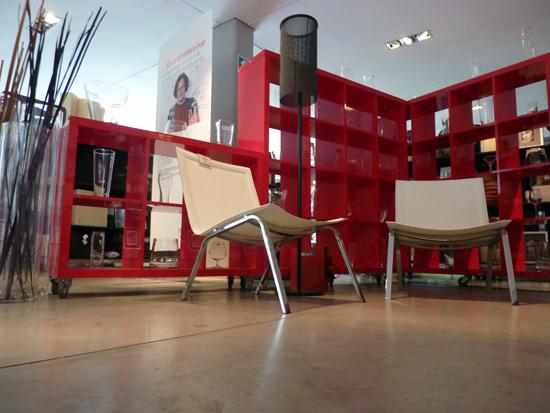 Podio arquitectos e interioristas intervienen las tiendas de m bica - Arquitectos interioristas ...