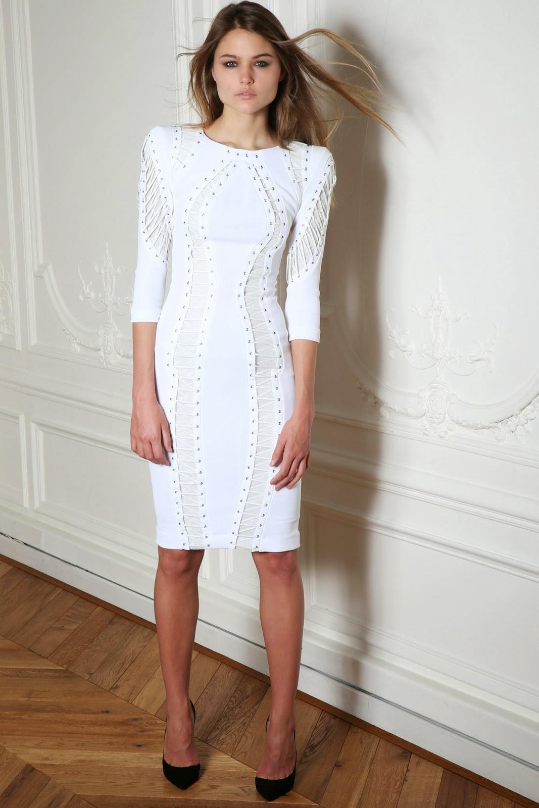 Белое кожаное платье
