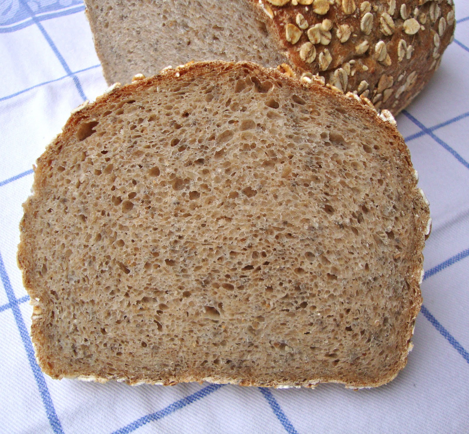 Cooketteria Saftiges 20 Korn Brot mit Chia und Amaranth