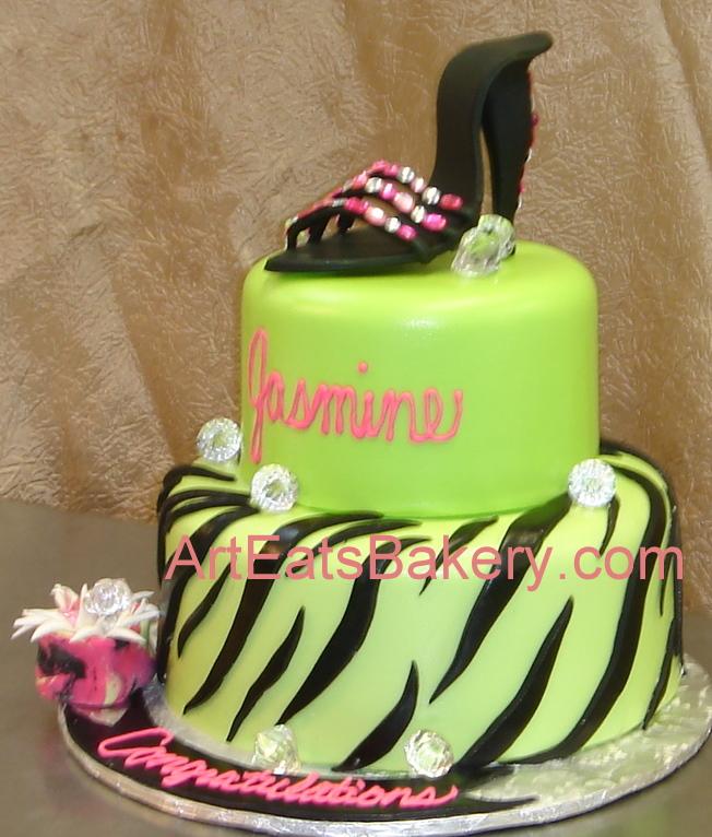 Custom unique artistic fondant birthday and wedding cake designs
