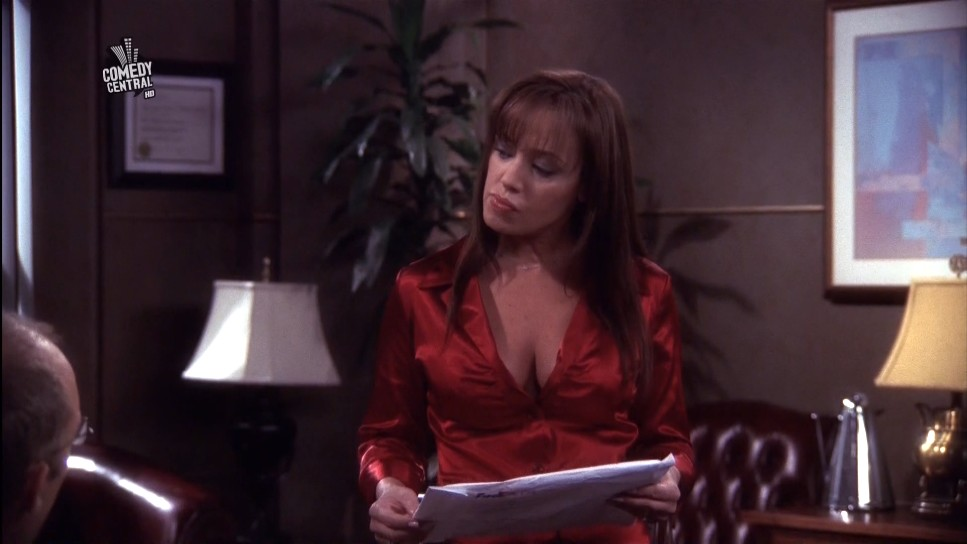 Leah Remini Big Cleavage On King Of Queens Ditto