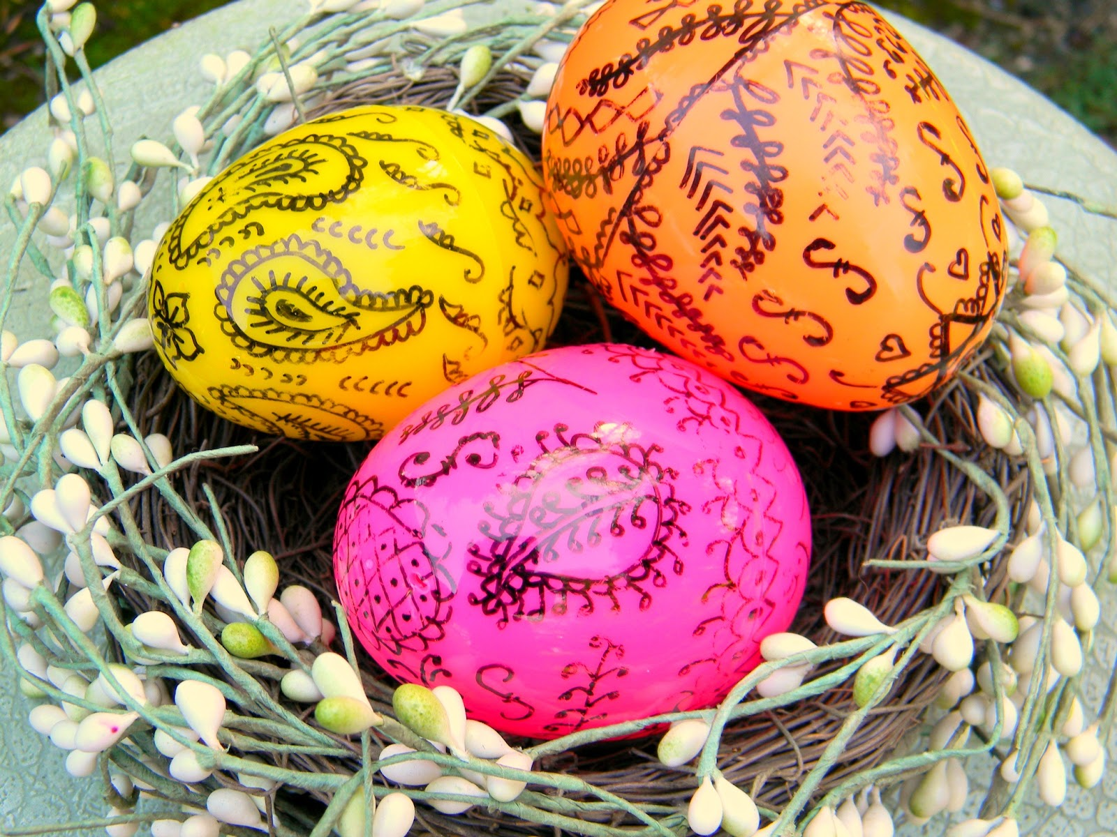 What Other Ways Have You Come Up With To Decorate Plastic Easter Eggs Id Love Hear Them Or Link Your Blog In The Comments So I Can Check