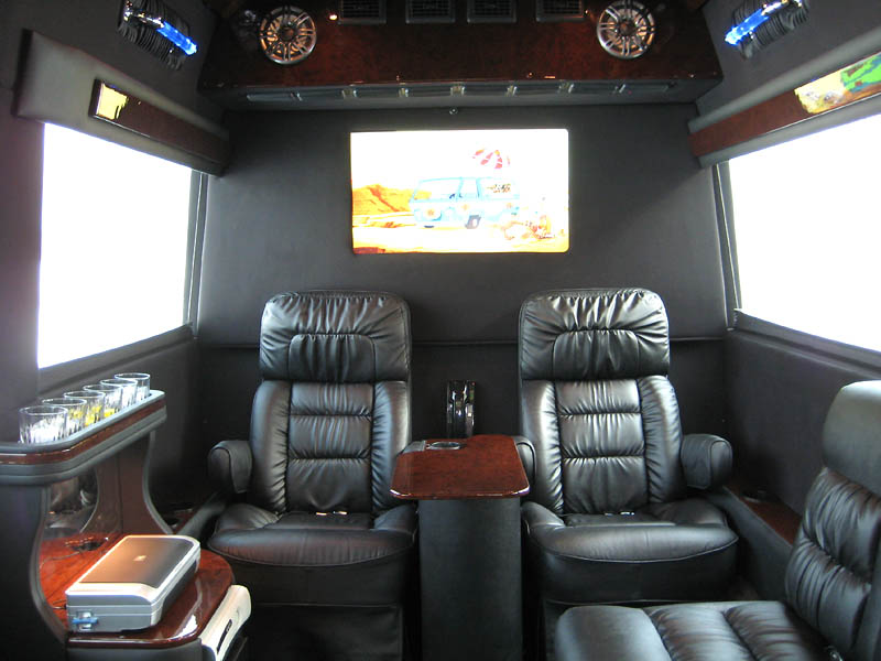 autofloor 303 presidential limousine interior. Black Bedroom Furniture Sets. Home Design Ideas