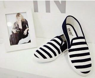 Sandal, Sepatu kets wanita