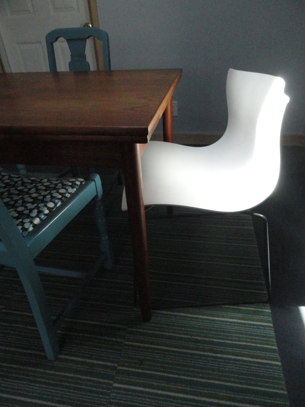 Knoll Handkerchief Stacking Chair