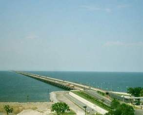 Lake Pontchartrain bridge picture