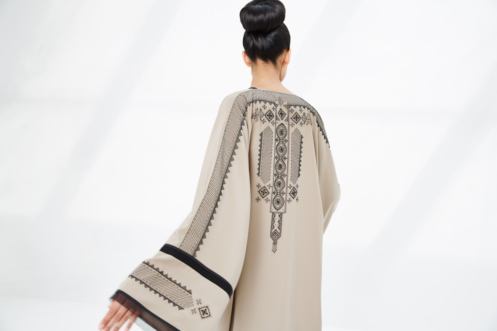 Under your abaya for Haute design