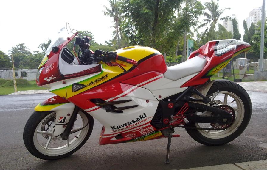 Motor Kawasaki Ninja 250 Modifikasi title=