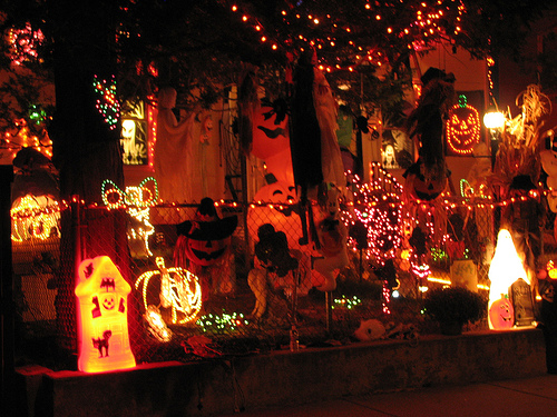 Scary halloween decorating ideas dream house experience for Halloween home decorations