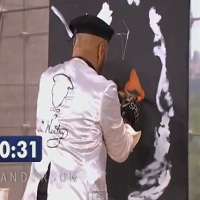 Pintor surpreende a todos durante um concurso de talentos