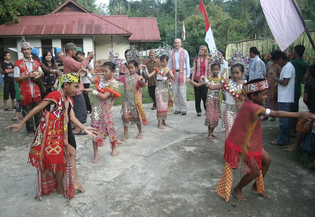 Masyarakat Adat di Kawasan Konservasi: Oke dengan Catatan
