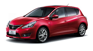 2012 Nissan Tiida Wallpapers