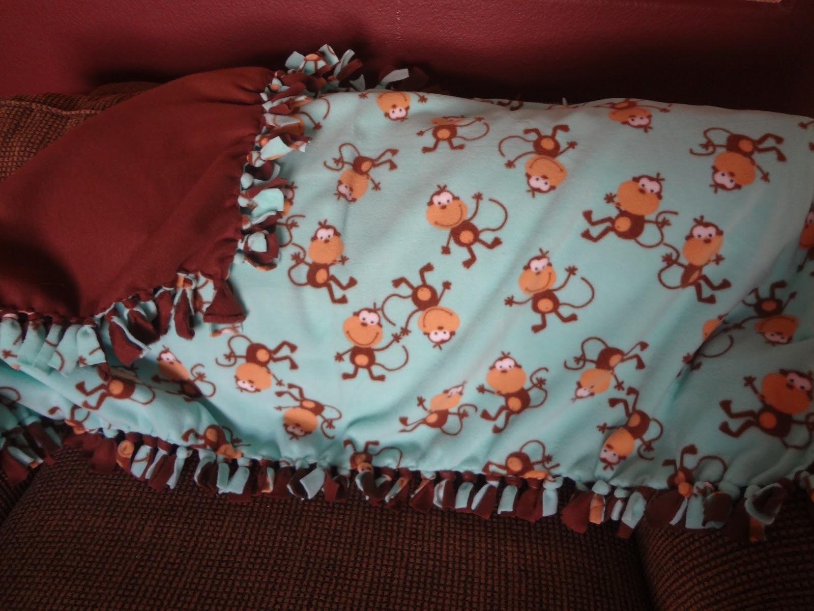 how to make a tie knot fleece blanket