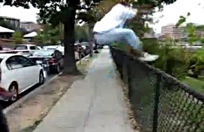 フェンスから落下