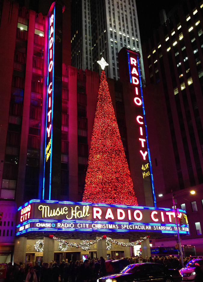 love, laurie: nyc: the radio city christmas spectacular