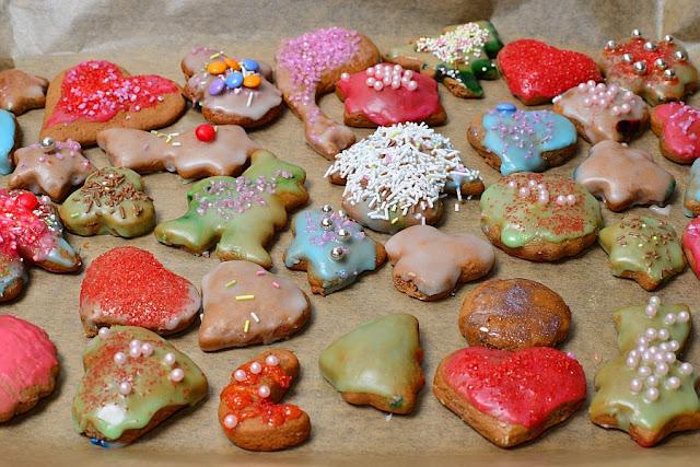 lukrowane pierniczki świąteczne, rodzinne pieczenie