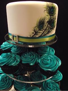 torre de cupcakes, bolo de pena de pavão, casamento, decoração
