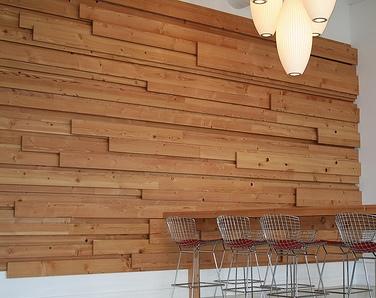 necesito ayuda forarar la pared de la habitacin de madera o parquet