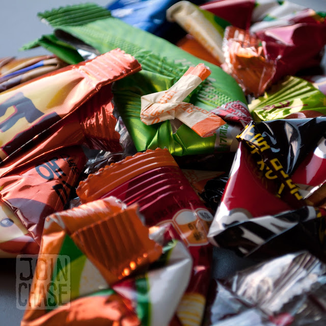 Various wrappers folded in different shapes in South Korea.