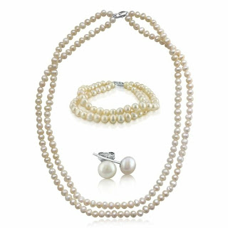 Beautiful Pearl Jewelry Set