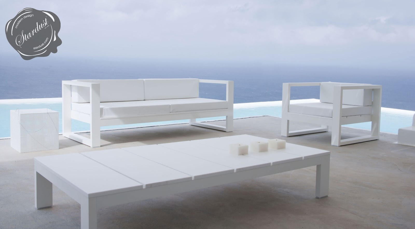 Modern outdoor sofa lounge gandia blasco na xemena two for White outdoor furniture