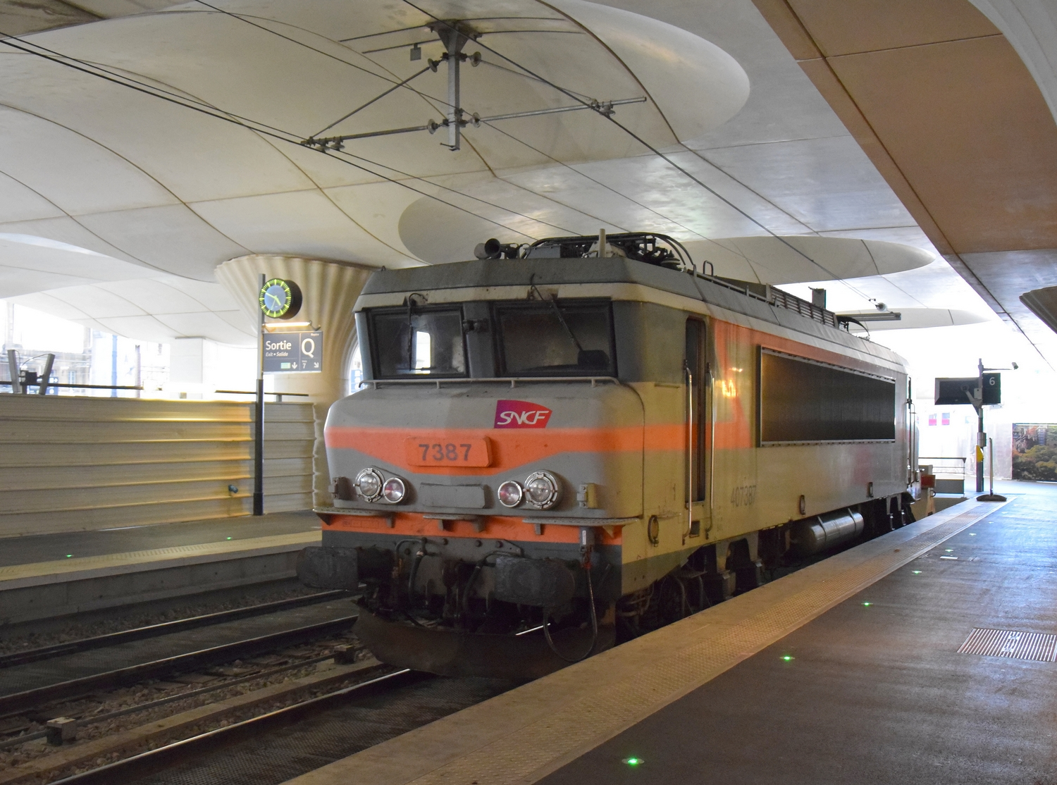 La passion du train a paris austerlitz et paris est avec for Train tours paris austerlitz