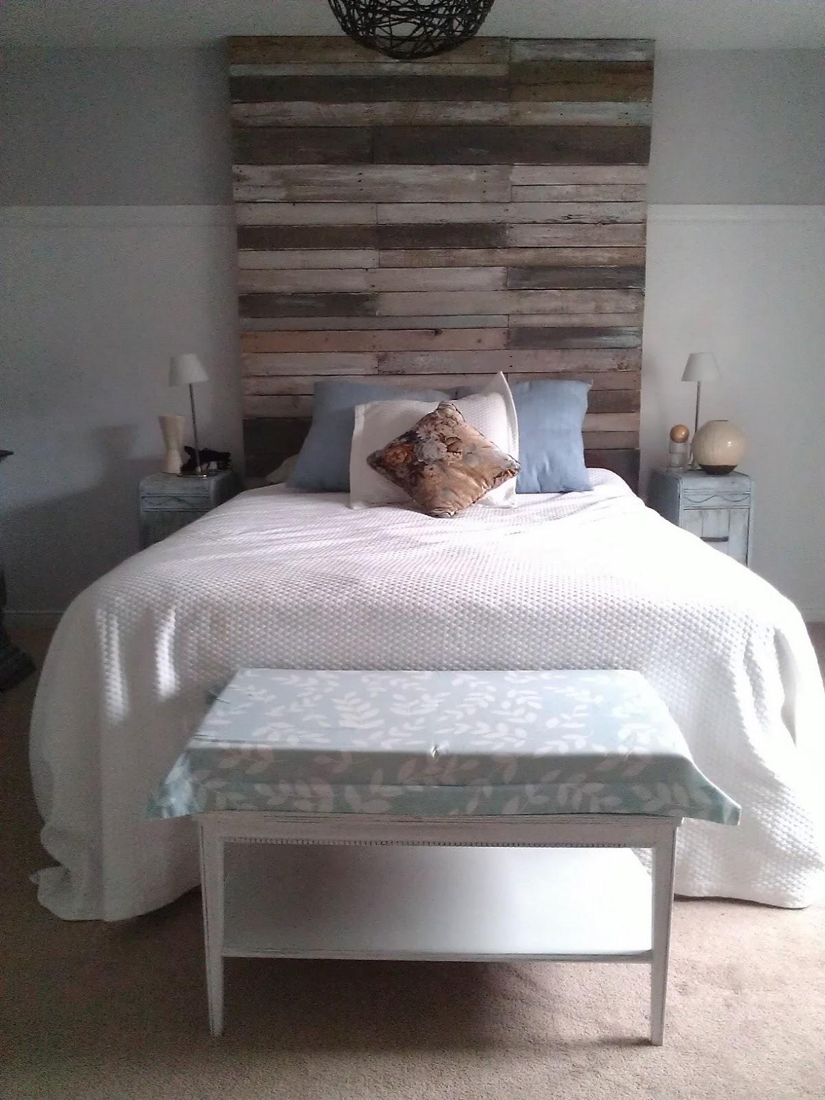Re tiqued by rae bond reclaimed pallet wood headboard - Floor to ceiling headboard ...