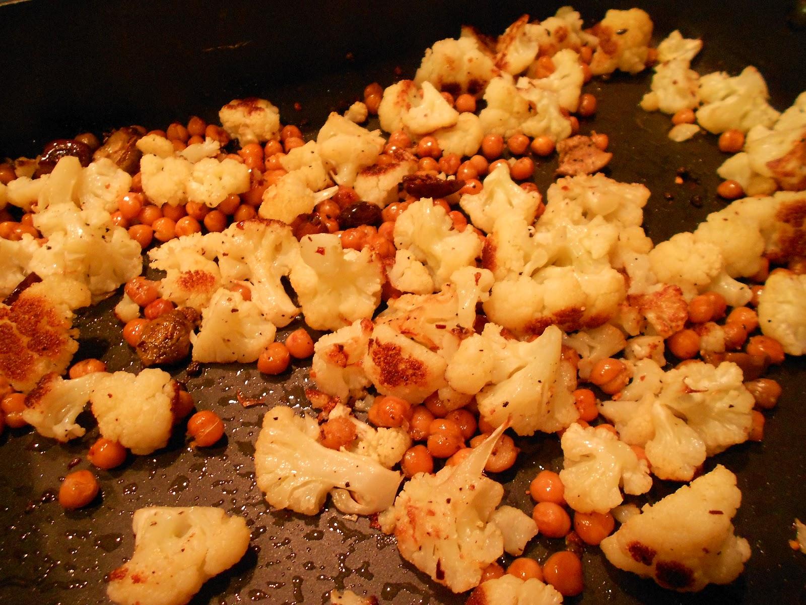 Roasted Chickpeas, Cauliflower, and Olives