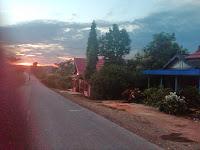 Pagi Hari Di Ujung Jalan Asam Asam