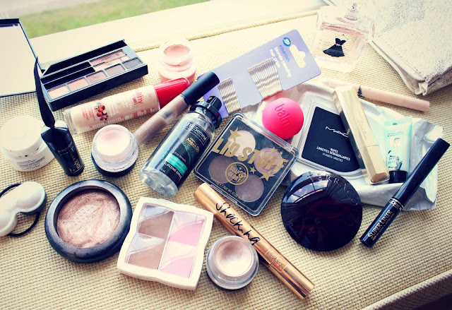 Travel Makeup Bag Contents