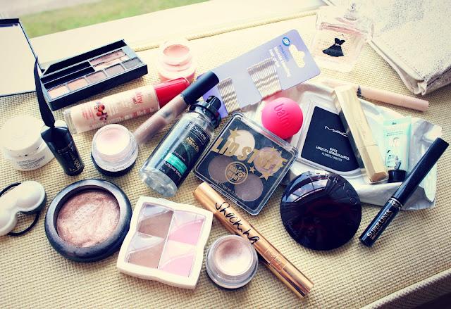 Travel Makeup Bag Contents