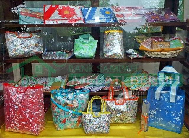 Produk Kerajinan Daur Ulang Sampah