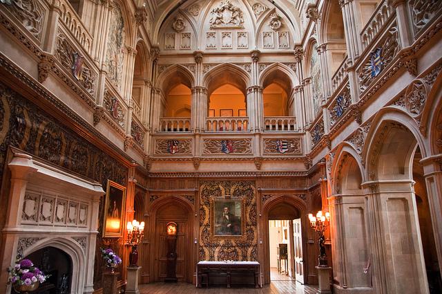 В готическом стиле интерьер
