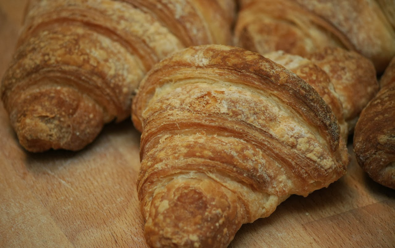 v e g a n d a d easy vegan croissants. Black Bedroom Furniture Sets. Home Design Ideas