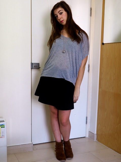 Casual Comfort | outfit of loose grey top, black skater skirt & brown suede ankle boots