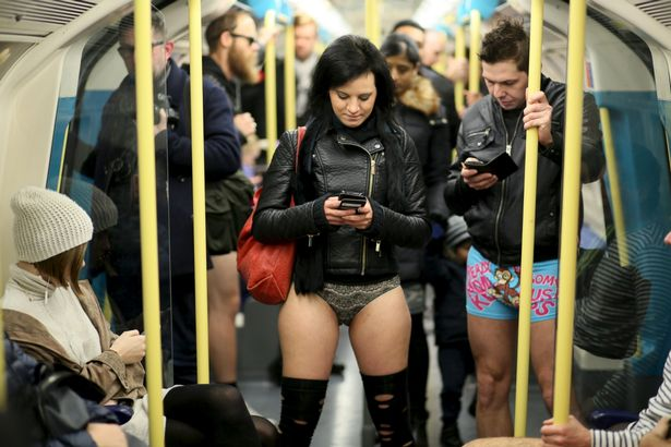 Голые тетки в транспорте