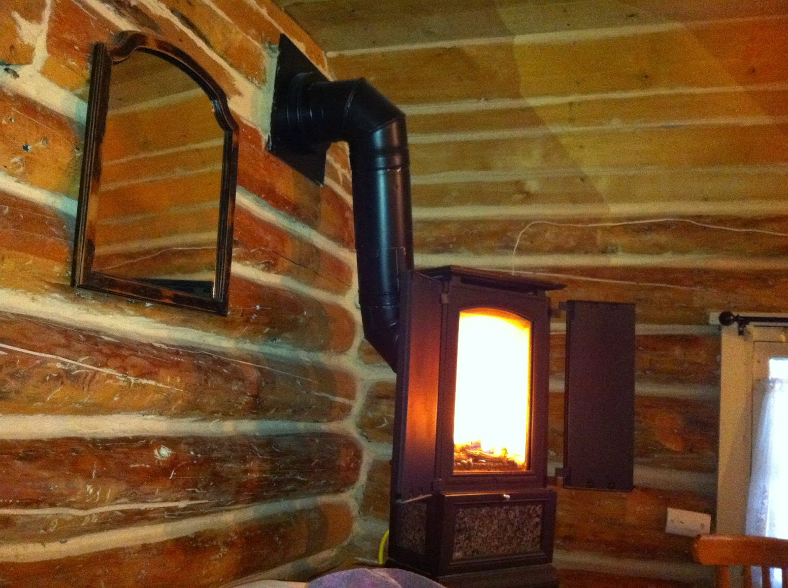 Live The Alaska Dream Stay In A Log Cabin Bearfoot Guides Shows